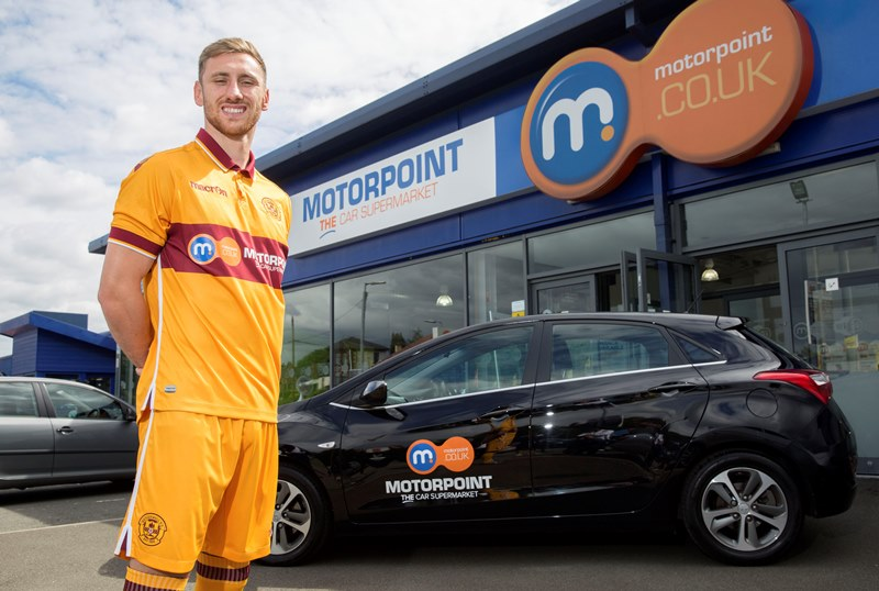Motherwell striker Louis Moult help launch the new Motorpoint branded first team kit