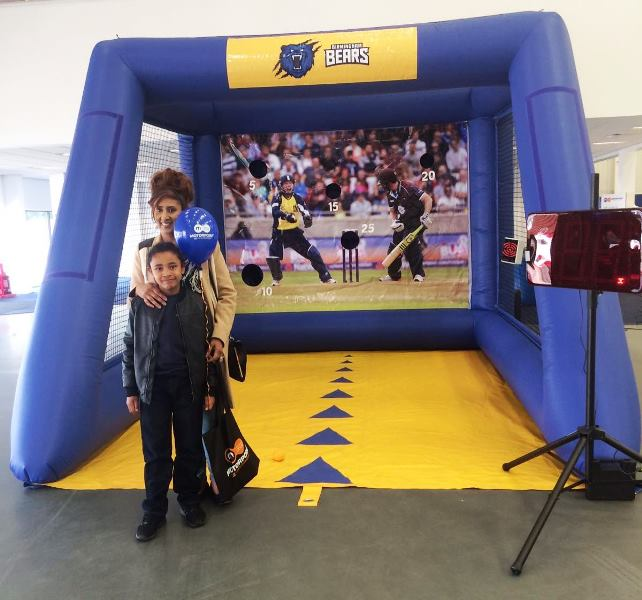 Cricket fans tested their bowling skills at Motorpoint on the Birmingham Bears Bowlathon (3)