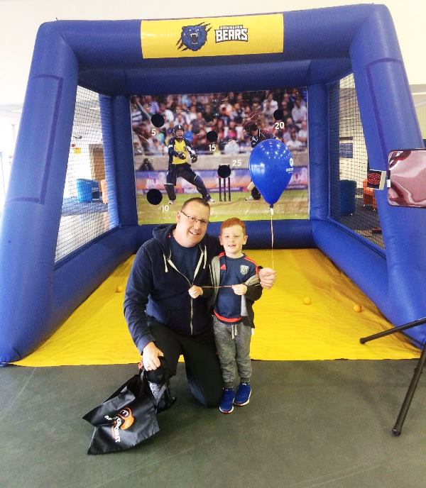 Cricket fans tested their bowling skills at Motorpoint on the Birmingham Bears Bowlathon (4)